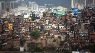 CORONAVÍRUS: Autor americano aponta potencial da covid-19 para reduzir desigualdade no mundo