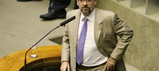 ENCRENCADO: Oposição pede informações à embaixada dos EUA sobre viagem de Weintraub