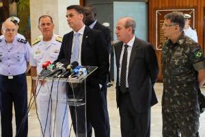 CRISE MILITAR: Chefes das Forças Armadas pedem demissão e criticam Bolsonaro por tentar golpe