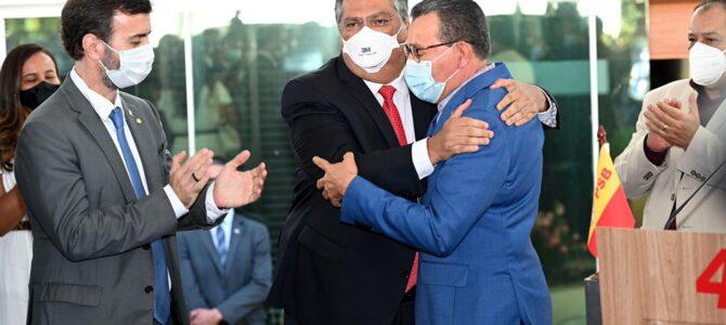 DETONANDO BOLSONARO: Flávio Dino e Marcelo Freixo se filiam ao PSB, em Brasília, com presenças de lideranças